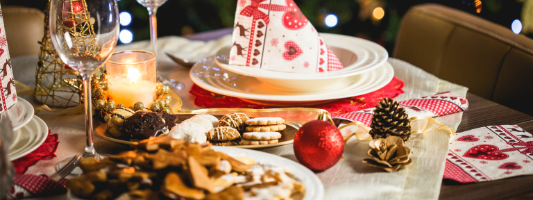 Restaurant Marketing Ideas for the 12 Days of Christmas